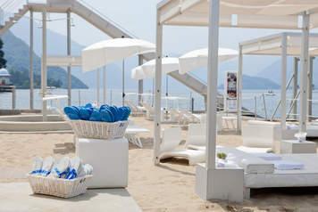 Beach wedding lake como