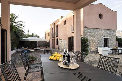 A Villa In Sicily (4).jpg
