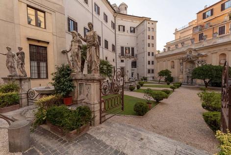 Rome Palace (7).jpg