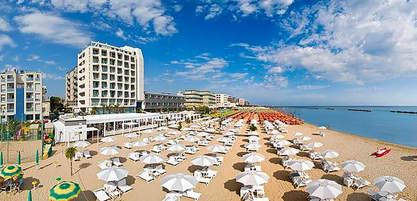 Pesaro Hotel (16).jpg