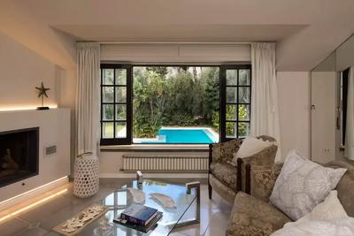 Mondello Villa (11).jpg
