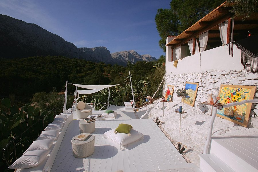 A Sardinian Countryside Wedding