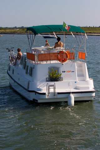 CharterBoat (15).jpg