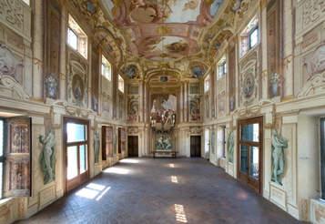 Venetian Villa (12).jpg