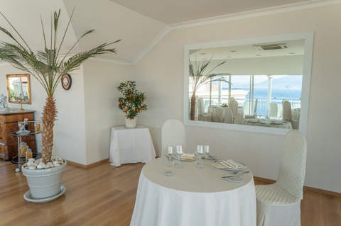sorrento wedding hotel (24).jpg
