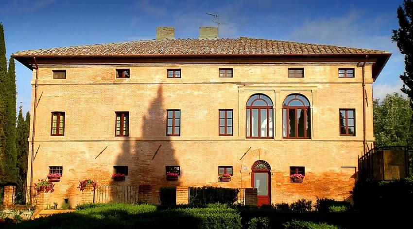 Tuscan Hotel Villa (19).jpg