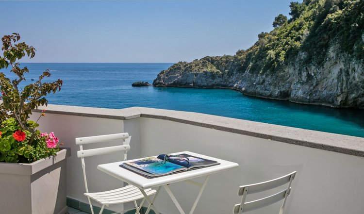 Beach Club In Campania