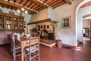 Tuscan Villa13.jpg