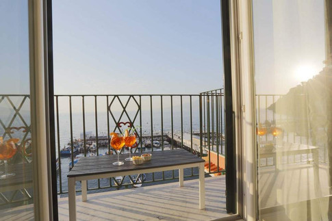 Marina Grande Apartment (6).jpg