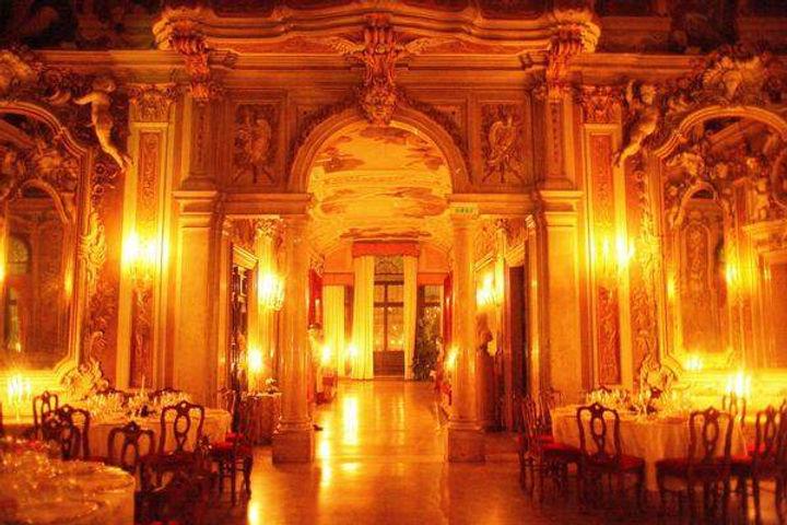 A venetian palazzo wedding.jpg