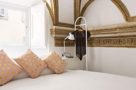 Rome Apartment (39).jpg