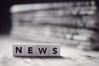 news-and-newspaper-headlines-P48L2DN.jpg