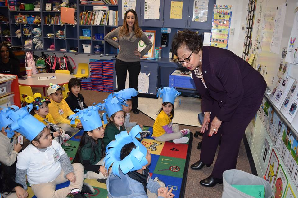 mayor read across america