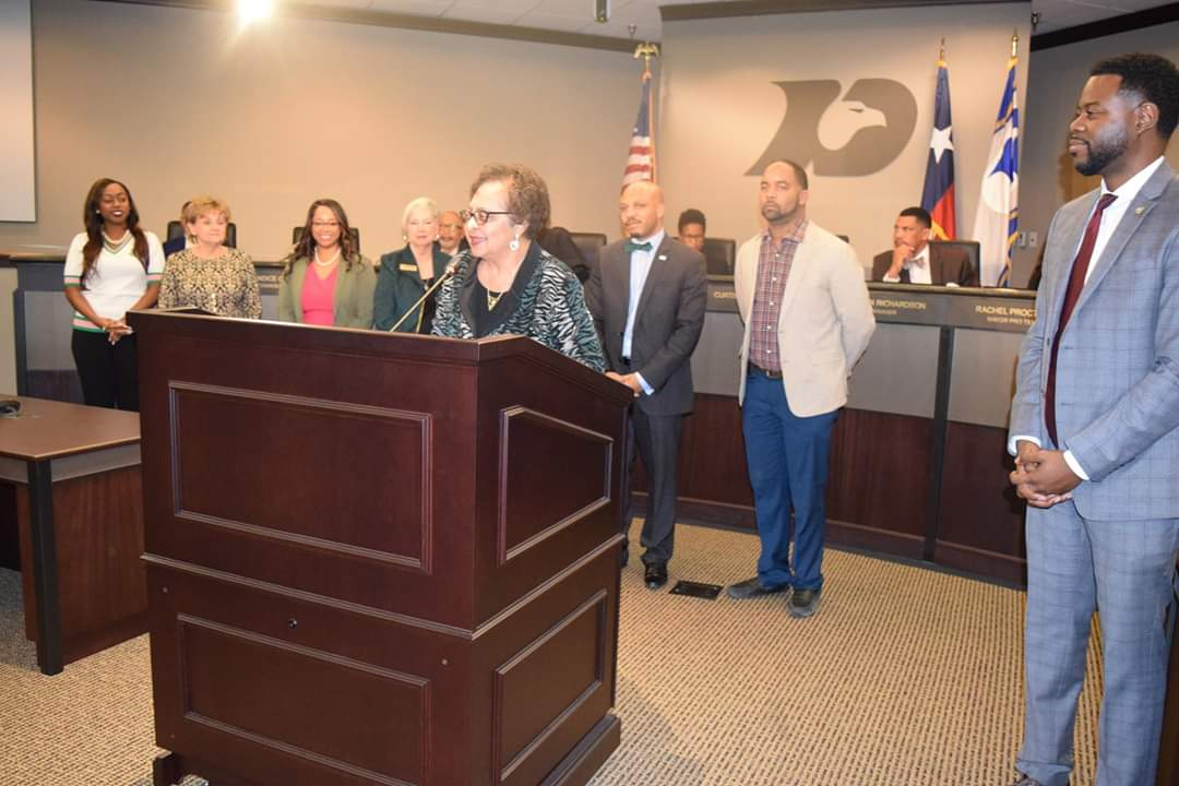 Mayor McCowan and DISD School Board