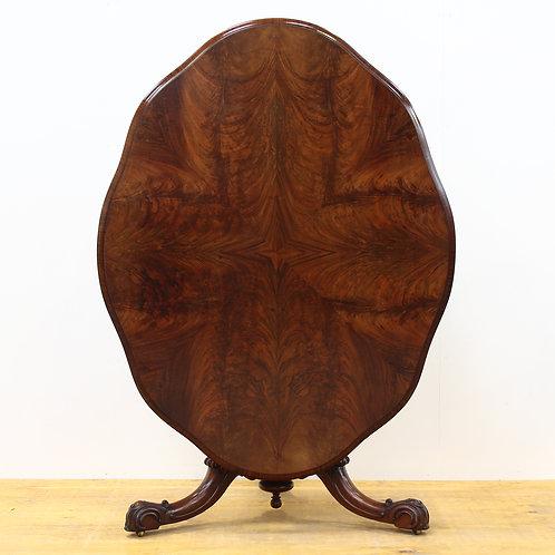 Victorian Flamed Mahogany Pedestal Table