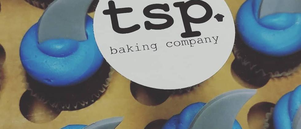 shark fin mini cupcakes