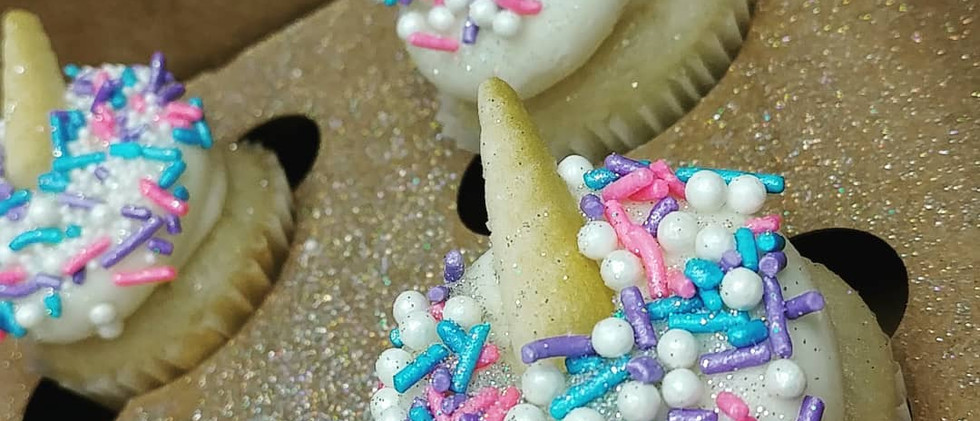 sugar unicorn mini cupcakes