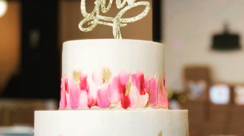 Large 2tier white with shades of pink and gold FUEGO border