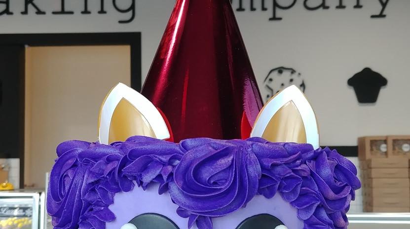 "6"" party llama cake"