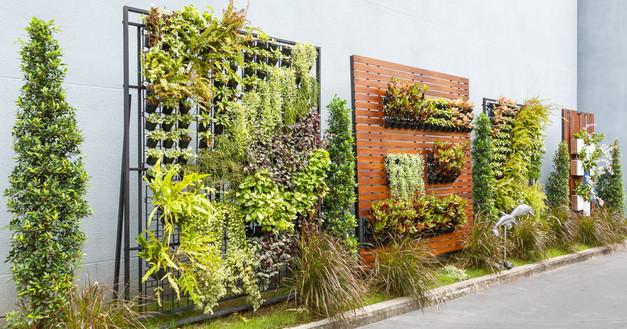 Fotolia_108044524_S-849x445.jpgInterior Leaf Vertical Garden Ideas