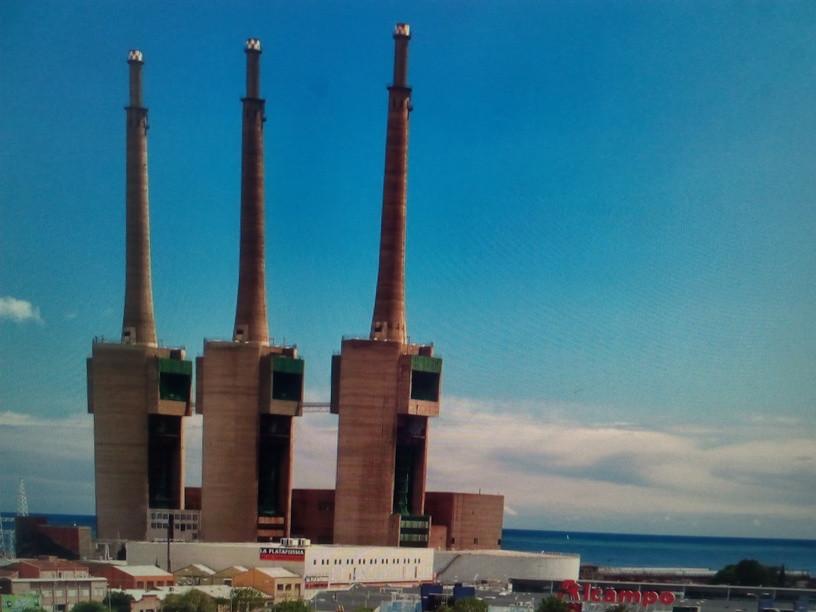 Tres Xemeneies, 'the Workmen's Sagrada Familia'