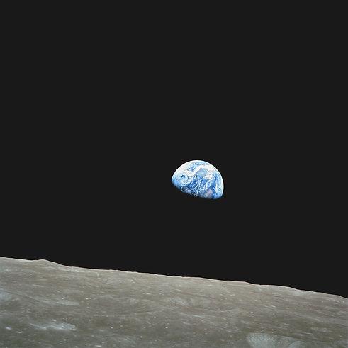 earth-soil-creep-moon-lunar-surface-8700
