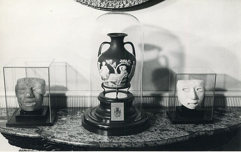 Portland vase display.jpg
