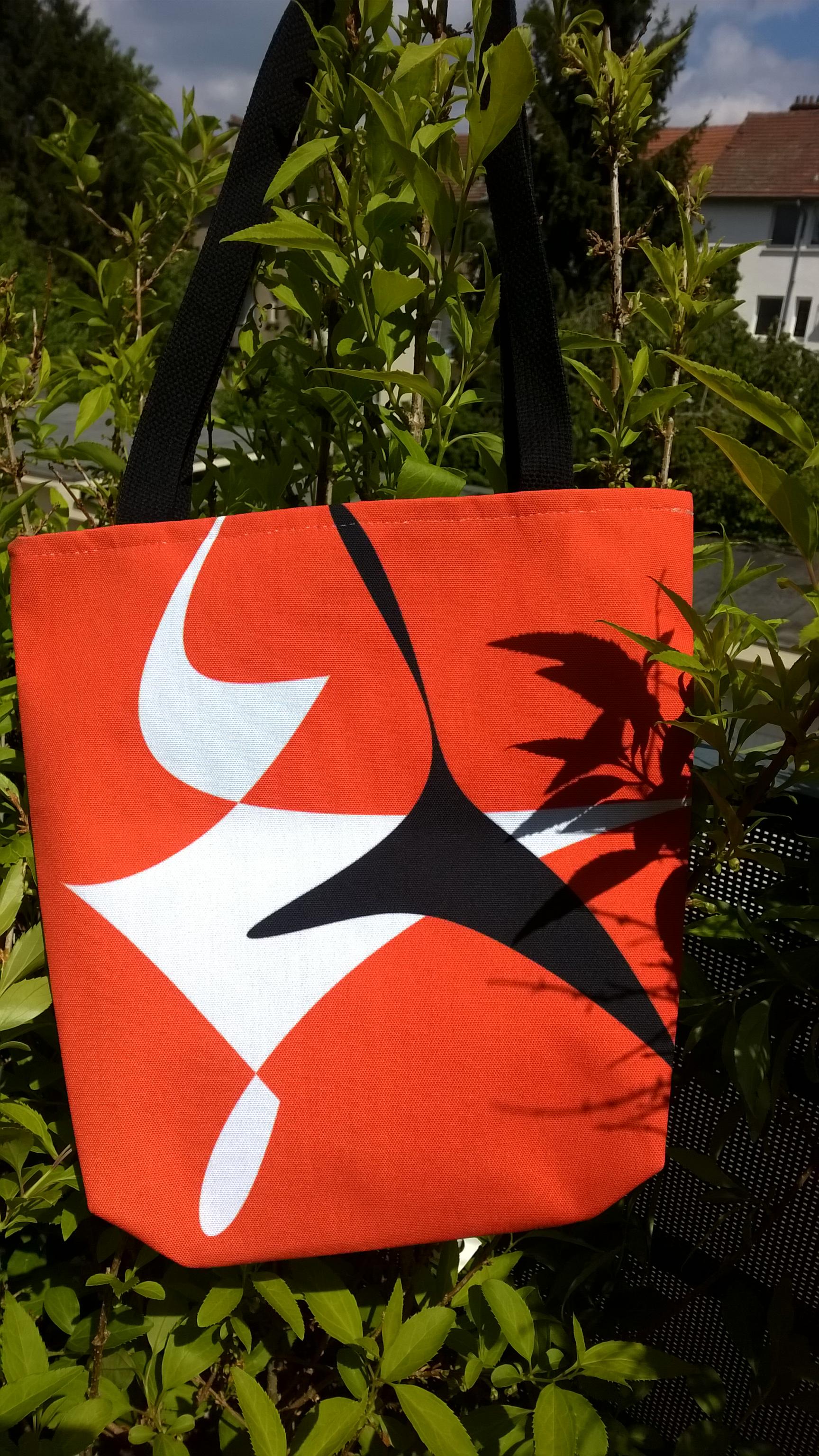 sac orange noir et blanc