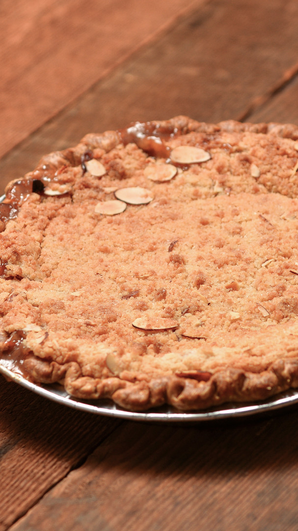 cherry almond streusel pie