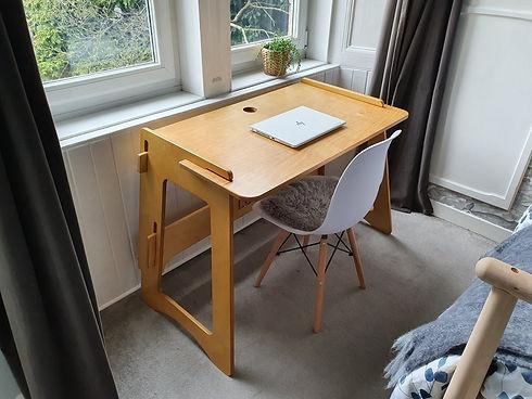 Desk0006.jpg