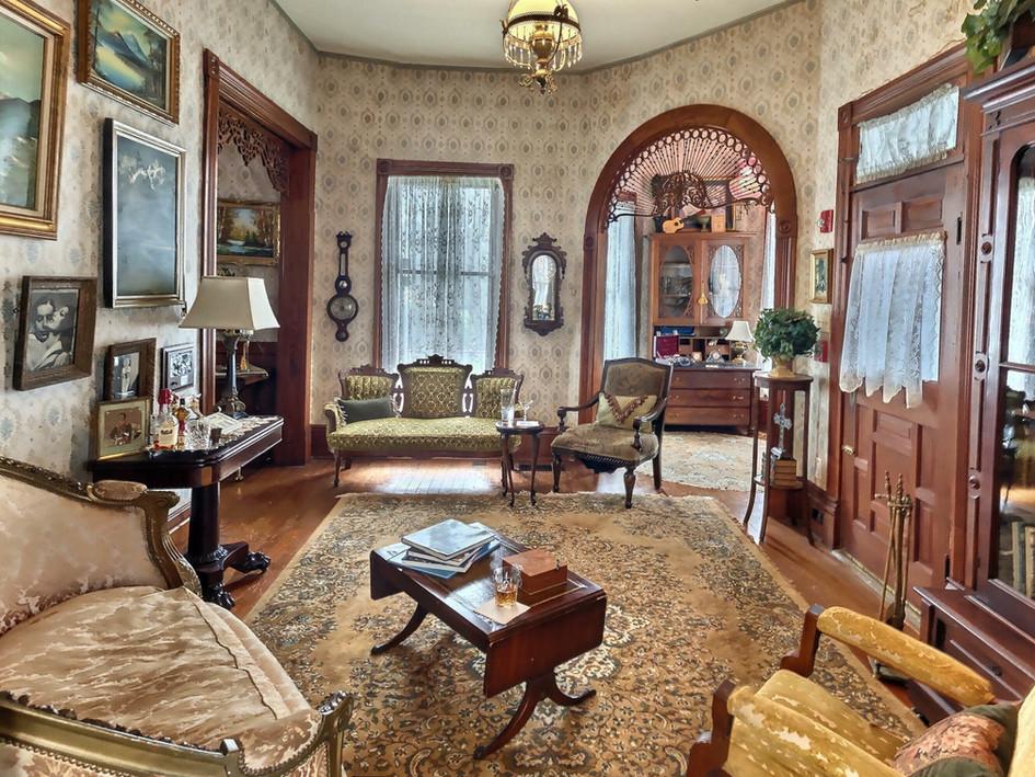 Gentleman's parlor