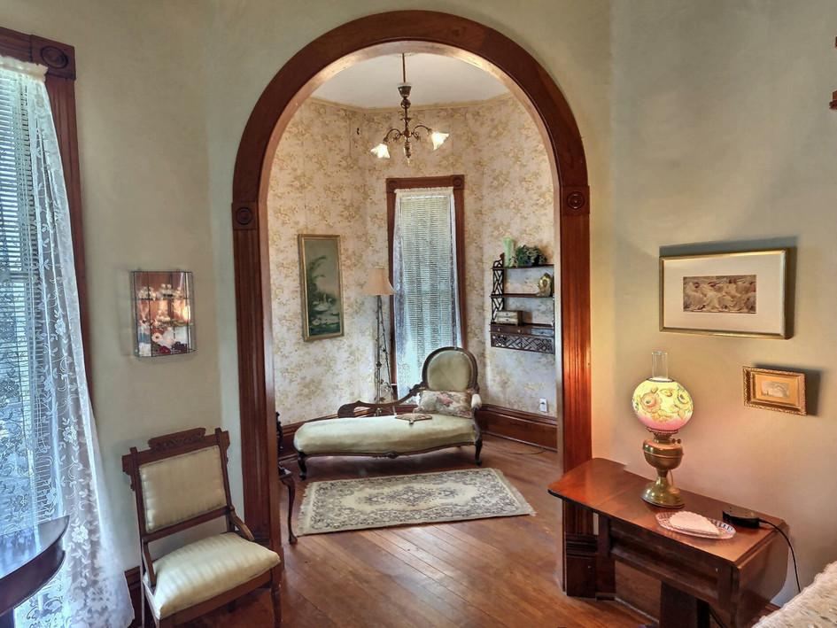 Magnolia suite - sitting area