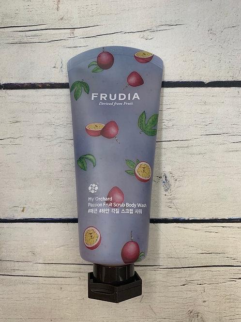 Тонизирующий гель-скраб для душа с маракуйей Frudia My Orchard Passion Fruit Scr