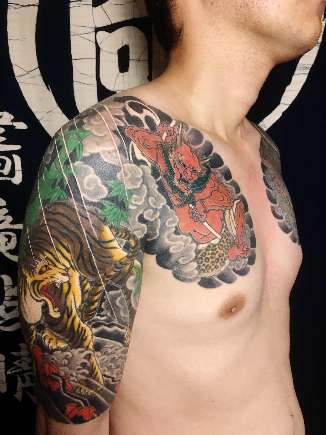 Raijin with Tora 雷神と虎