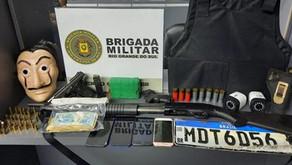 EM Bento Gonçalves homem Jovem é preso com armas e dinheiro durante operação da Brigada Militar