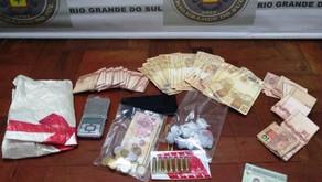 Farroupilha Dupla é presa por roubo após casal que tentava comprar máquina de padaria cair em golpe