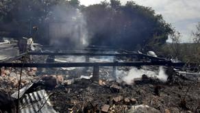 Garibaldi Casa é completamente destruída por incêndio