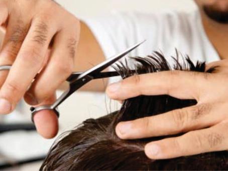Os cabeleireiros são os responsáveis por moldar as nossas faces, dar curvas aos nossos pensamentos c