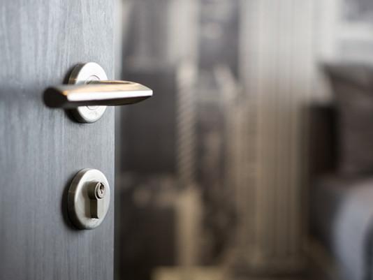 Porte high tech pour escape game, sésame ouvre-toi
