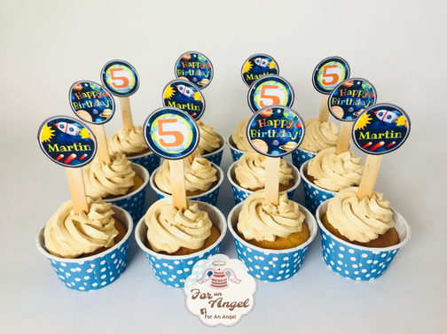 Solar System Buttercream Cupcakes with Paper Topper