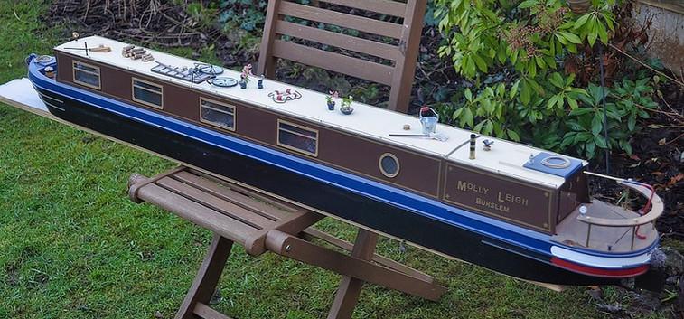 Steve Elsmore Molly Lee Canal Barge