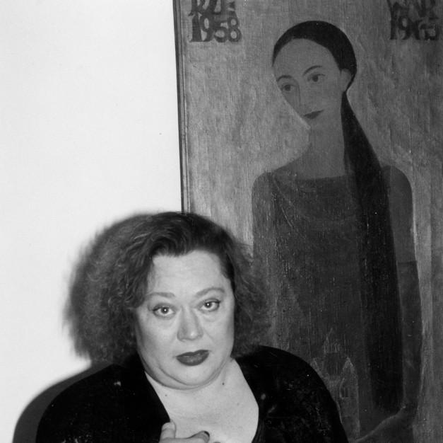 E.Okupska i H.Rodkiewicz w tle