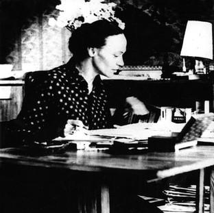 Henryka Rodkiewicz przy pracy