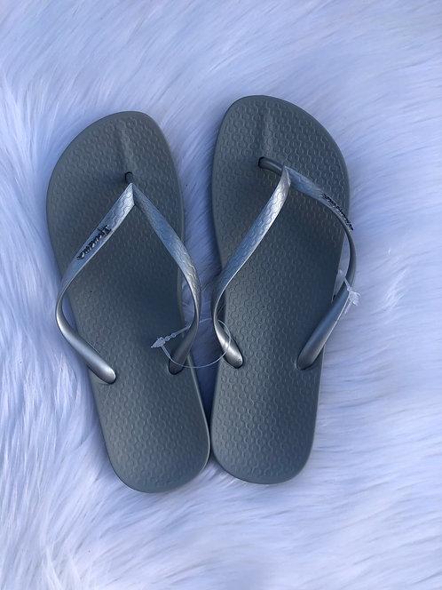 Ipanema Flip Flops (Silver)
