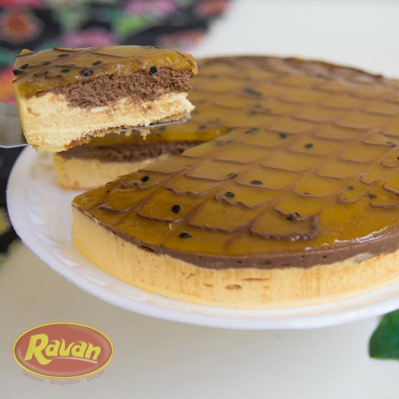 Torta Mousse de Maracujá c Chocolate
