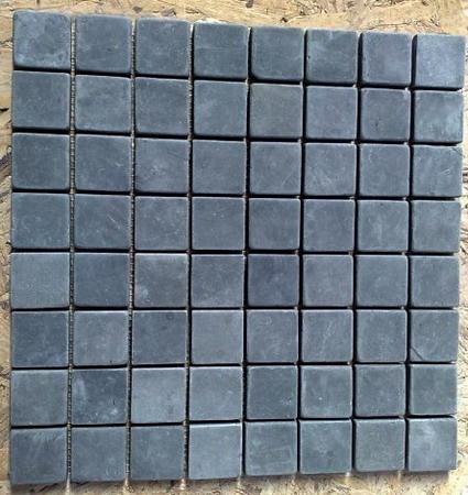 jet-black-marble-mosaic-tiles-02.jpg