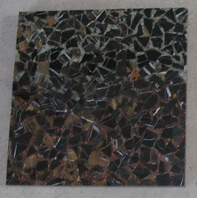 black-and-gold-marble-mosaic-tiles-10.jp