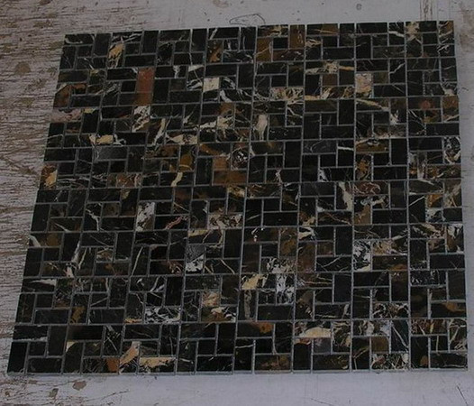 black-and-gold-marble-mosaic-tiles-03.jp