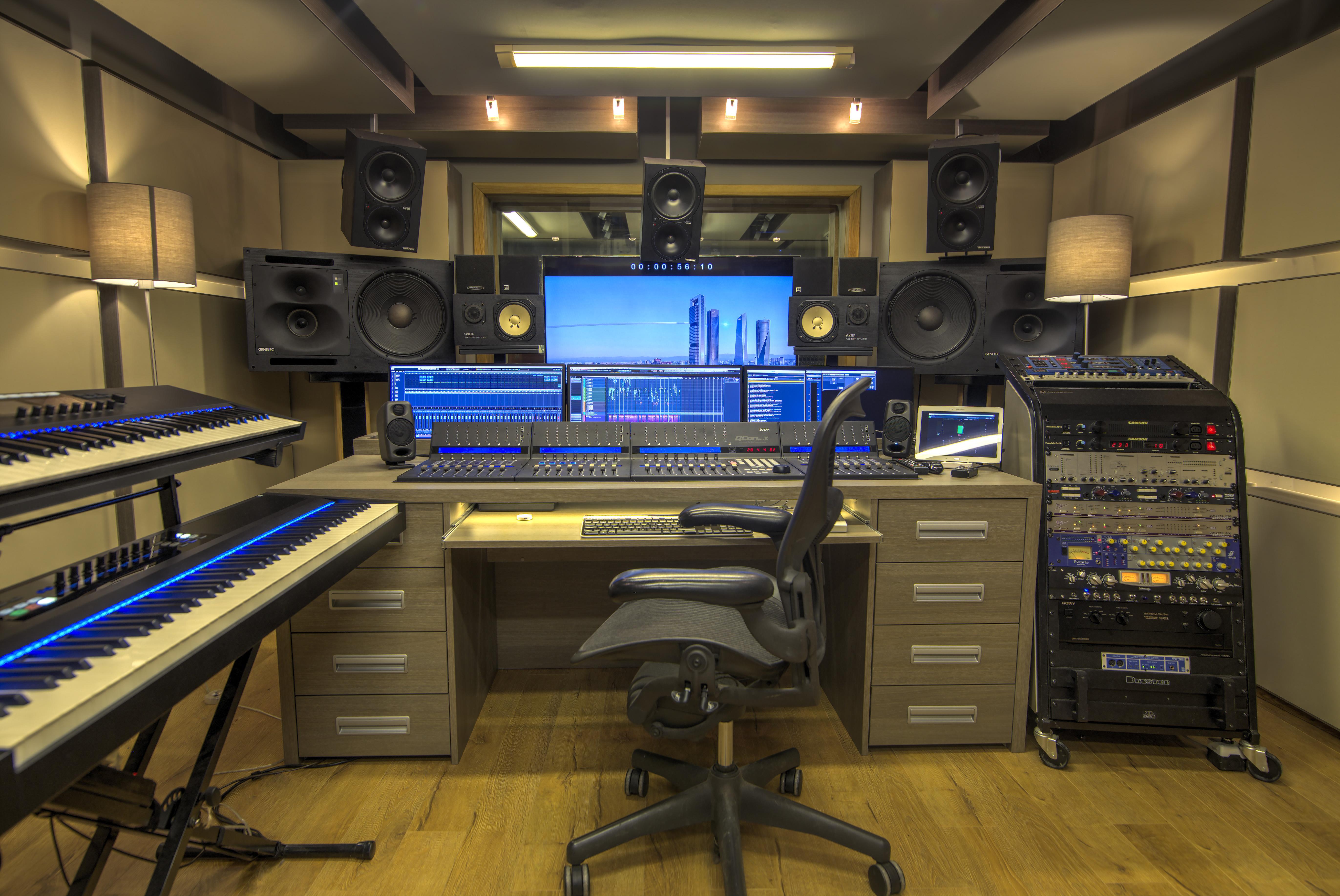 Studio Room 01