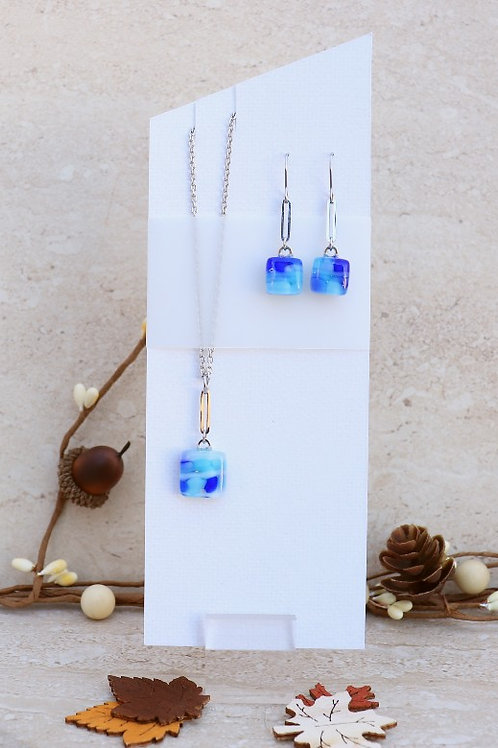 Aqua Blue, Blue and White Pebble Collection